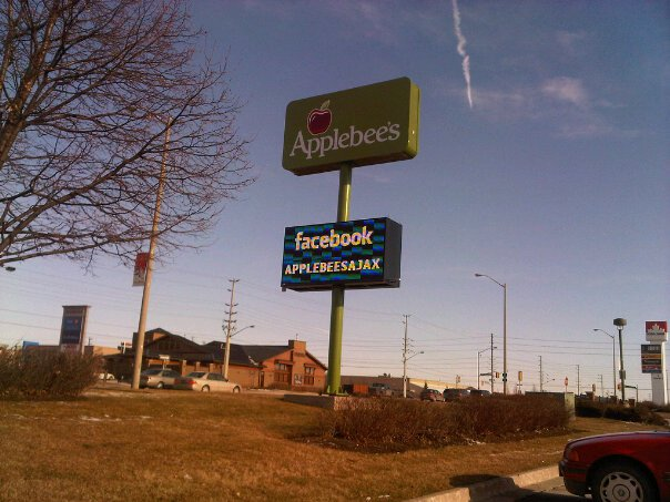 Applebee's Offline Social Media